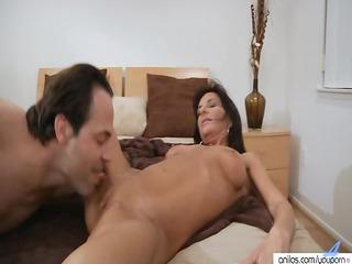 tough big boob lady craves super filling in
