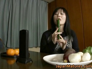 japanese mature babe enjoys masturbation part2