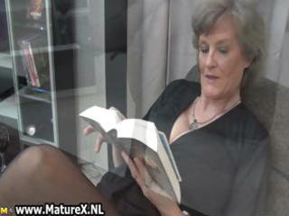 grownup lady into stunning dark nylons part4