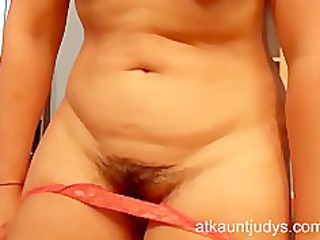cougar associate mila demonstrates her pussy and