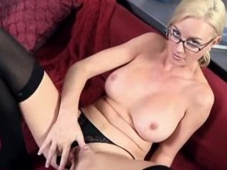 workplace lady works vagina to orgasm