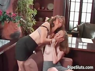 awesome mature babe and young slut satisfying