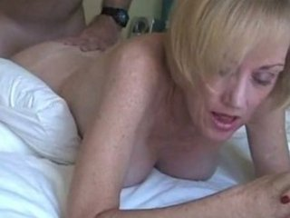 woman melanie obtains creamed!
