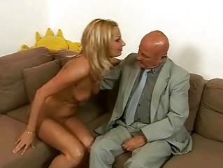 horny amateur likes porn with grandpa