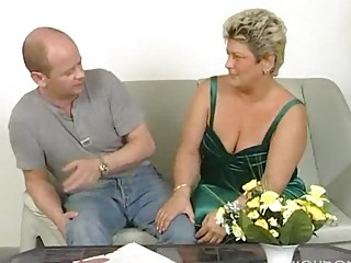 heavy cougar lady squirms