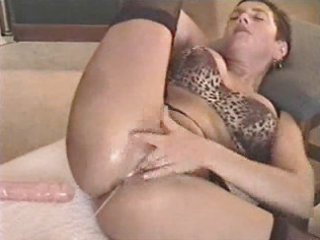 grownup roxy devices her kitty and gets jizzed on