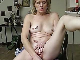 older  inexperienced has an orgasm
