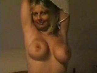 european mature babe with large boobs enjoying at