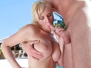 albino momma brittania girl hooks her oral on a