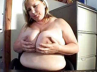 jumbo boobed bleached woman exposes off her big