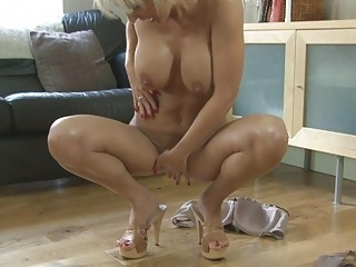 sensual pale momma with huge bossom into shoes