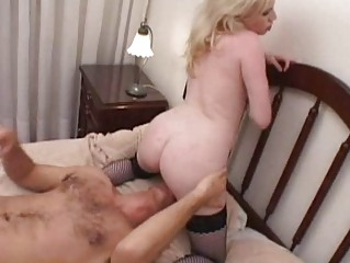 horny albino momma takes her vagina tasted and