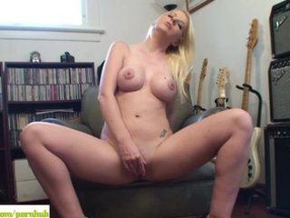 grownup girl anita blue virbrates cave to orgasm
