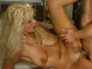 cougar german bleached drilled inside the tub
