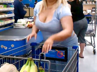 colorless fat milf with cleavage voyeur  derty24