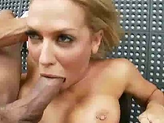 stacked blond mature babe is a fellatio babe
