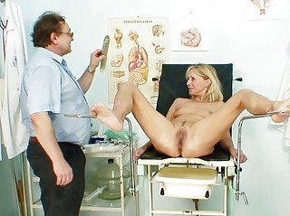 Порно ролики у врача