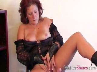 filthy cougar housewife dana in solo